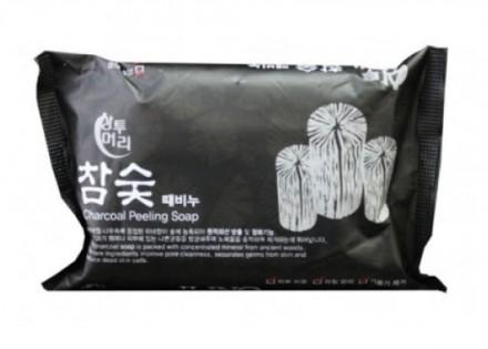 Мыло-скраб с углем JUNO Sangtumeori peeling soap charcoal 150 мл: фото